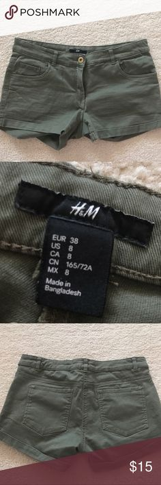 H&M army green short shorts (see description!) Stylish pair of H&M short shorts perfect for the summer ( a bit tighter than a regular size 8 would be, ideally for a size 6) H&M Shorts Jean Shorts