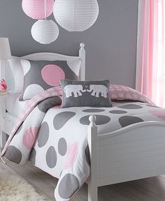 gray and pink bedding. this would be cute if I had a girl.