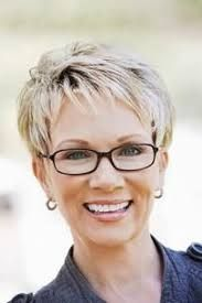 Short haircuts for fine hair in women over 50