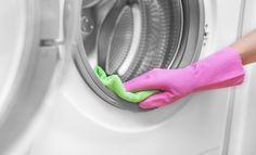 Een wasmachine schoonmaken? Door dat vet, vuil en kalkaanslag kan je wasmachine minder goed gaan werken. Dit is wat je eraan kunt doen.