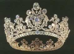 Diamond Diadem of Queen Pauline of Württemberg, circa 1820, Landesmuseum Württemberg, Stuttgart.