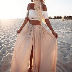 OUR DREAM OUTFIT! Low and Behold Crop Top + Against The Tides Maxi Skirt Shop now via the link in our bio #hellomollyfashion