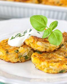 Glücks-Gemüselaibchen A Food, Food And Drink, Vegetarian Kids, Clean Eating, Food Porn, Salmon Burgers, Baked Potato, Cauliflower, Eggs