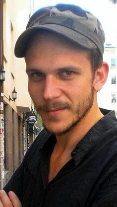 Floki,Gustaf skarsgard Alex and Bill'S brother. Skarsgard Brothers, Skarsgard Family, Gustaf Skarsgard, Alexander Skarsgard, Beautiful Eyes, Gorgeous Men, Beautiful People, Good Day Sir, Floki