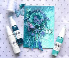 Hi everyone! Here is my project with Dusty Attic products. I used the magnificent Dream Catcher #1 chipboard that I love. I added more texture with an addition of iron wires. I added some metal e