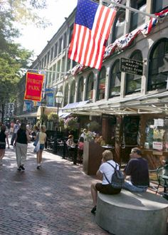 experience historic Boston at the Faneuil Hall Marketplace.Enjoy shopping, dining, street performances, festivals and more!