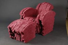 "Frank O. GEHRY (né en 1930) - Fauteuil Red Beaver Collection ""Experimental Edges"" Lot 95. Edition Vitra, carton ondulé"
