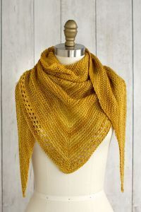 Free knitting pattern. Pattern category: Shawls. Fingering weight yarn. 450-600 yards. Easy difficulty level.
