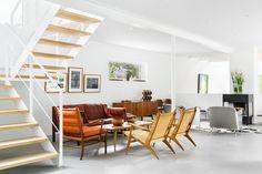 A good Unlikely Contemporary Warehouse - http://www.interiordesign2014.com/interior-design-ideas/a-good-unlikely-contemporary-warehouse/
