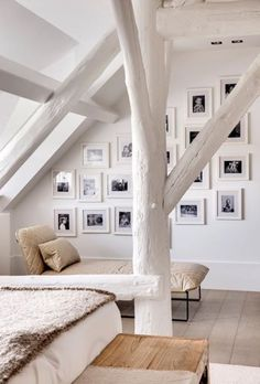 keep it simple, black and lots of white. space appears larger than it is.☆