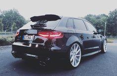 Black Audi RS3