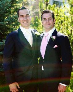 Henry no casamento do seu irmão Charlie!!!! #AlwaysHenryCavill
