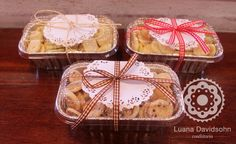 Marmita de Cookies « Confeitaria da Luana                                                                                                                                                      Mais Bake Sale Packaging, Brownie Packaging, Baking Packaging, Bread Packaging, Dessert Packaging, Food Packaging Design, Christmas Cookies Packaging, Christmas Cookies Gift, Christmas Baking