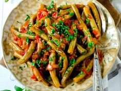Green beans with garlic Garlic Green Beans, Kung Pao Chicken, Mexican, Ethnic Recipes, Food, Green, Green Beans, Salads, Rezepte