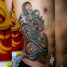 #tigervssnake #tigertattoo #snaketattoo #StencilStuff #ntgallery #neotraditional #neotraditionaltattoo #newtraditional #neotradicional #tattoo #colortattoo #javierfranco #neotradmagazine #neotradtattoo #neotradsub #tattooworkers #TattoistArtMagazine #inktvglobal #thebesttattooartistus #darkartists #inkjunkeyz #ntartworks #tattoo_art_worldwide