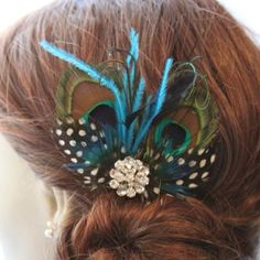 Peacock hair pin--I'd love to wear this somewhere!!