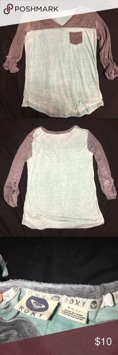 Pacsun quarter sleeve top Brand new, never worn pacsun quarter sleeve top. Light, comfortable material,  v neck but not super low, pacsun/roxy branding PacSun Tops