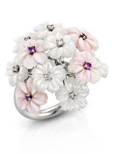 Using carved gemstones : An white gold bouquet ring, set with white and pink mother-of-pearl flowers, adorned with diamonds and pink sapphires. Gold Bouquet, Jewelry Accessories, Jewelry Design, Fine Jewelry, Unique Jewelry, Jewelry Box, Diamond Are A Girls Best Friend, Pink Sapphire, Beautiful Rings