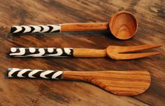 Olive wood appetizers with bone deco