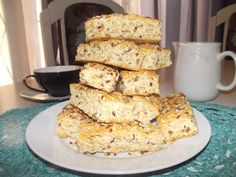 Love these Health Rusks - traditional South African biscuits that are especially delicious when dipped in tea. South African Recipes, Freshly Baked, Deli, Baked Goods, Biscuits, Breads, Deserts, Cupcakes, Traditional
