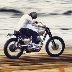 overboldmotorco: S A N D F L A T S P E E D W A Y @Regrann...  overboldmotorco:  S A N D F L A T S P E E D W A Y @Regrann from @godcreated #indian #vinyagemotorcycle #bikerlife #Motorcycle #TRIUMPH #BSA #harleydavidson #harley #HOTROD #YAMAHA #HONDA #SUZUKI #KAWASAKI #classicmotorcycle motorcycle #chopper #custom #vintagestyle #bestoftheday #caferacers #caferacerxxx #Scrambler by beridershop http://overboldmotor.co
