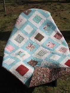 PATTERN Hip to Be Square Lap or Baby by ModernMaterialGirl on Etsy Charm pack and two pieces of yardage /or- layer cake /or- charm and jelly roll