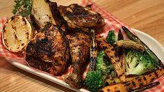 La Peurta pollo is like chicken in a basket, Colombian style. Mediterranean Recipes, Good Food, Pork, Basket, Restaurant, Chicken, Eat, Style, Kale Stir Fry