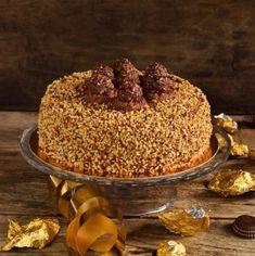 Torta Ferrero Rocher…per non farsi mancare nulla! Torta Ferrero Rocher, Bakery Recipes, Vanilla Cake, Red Velvet, Panna Cotta, Food And Drink, Pudding, Desserts, Cake
