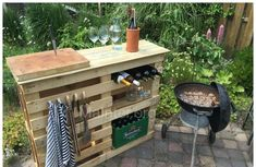 Bbq Side Table Made From 2 Old Pallets & Old Boards • Pallet Ideas • 1001 Pallets Bbq Side Table Made From 2 Old Pallets & Old Boards • Pa... #1001pallets