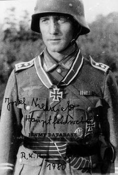 ✠ Josef Niemietz (October 18th, 1913 - March 13th, 2001) RK 24.07.1943 Hauptfeldwebel, Zugführer Stab 3.(Flak)/Pz Jäg Abt 332