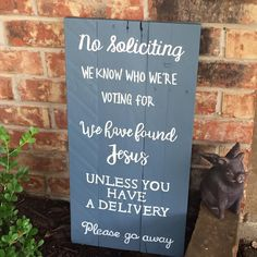 No soliciting pallet wood sign #texasrusticwooddecor #nosoliciting #goaway #palletsign #palletwood #upcycledhomedecor #upcycle