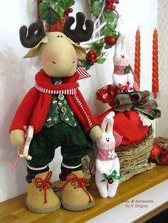 Natalia Dzigora Pictures - DIY y manualidades Christmas Sewing, Christmas Fabric, Christmas Pillow, Felt Christmas, All Things Christmas, Christmas Home, Christmas Runner, Christmas Holidays, Merry Christmas