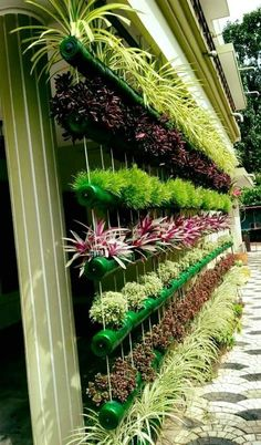 Balcony Herb Gardens, Small Balcony Garden, Small Courtyard Gardens, Outdoor Gardens, Vertical Garden Design, Garden Design Plans, House Plants Decor, Bottle Garden, Garden Planning