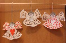 Andělíčci z košíčků na cukroví a papírové krajky