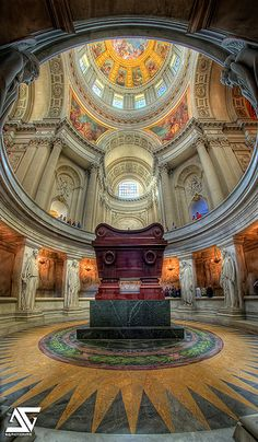 Napoleon's tomb, Les Invalides, Paris, France, http://www.pinterest.com/watashima/beautiful-ceiling/