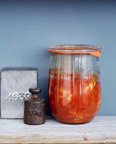 Durch Safran werden klassische Klopse auf orientalisch getrimmt und kommen mit pikanter Tomatensauce ins Glas.