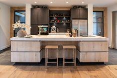 Home - NB Interieurwerken Beige Kitchen, New Kitchen, Kitchen Room Design, Kitchen Decor, Modern Interior, Home Interior Design, Kitchen Rules, Home Kitchens, Sweet Home