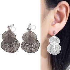 Comfortable and pierced look dangle chic silver leaf filigree invisible clip on earrings by MiyabiGrace. Perfect clip on earrings for every day wear💕   耳環夾 ノンホールピアス 夾式耳環