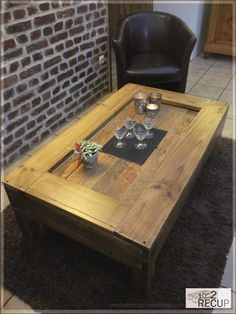 Would you believe this is made from old pallets? Pallet coffee table.