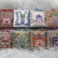 Gallery.ru / Все альбомы пользователя natalytretyak Decorative Boxes, Home Decor, Dollhouses, Dots, Punto De Cruz, Homemade Home Decor, Interior Design, Home Interior Design, Decoration Home
