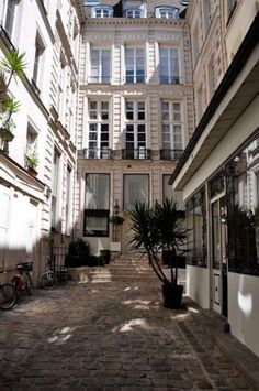 Gintzburgers Paris apartment