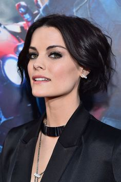 http://www.galaxypicture.com/2016/12/jaimie-alexander-hollywood-actress.html