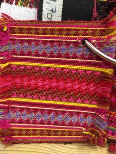 Beltestakk belte eksempel fra Husfliden i Skien. Folk Costume, Costumes, Tablet Weaving, Textile Fabrics, Norway, Printing On Fabric, Celtic, Crochet Top, Band