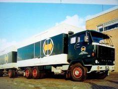 Volvo F 89 6x2 met koelaanhanger van Cargoboss te Maasdijk