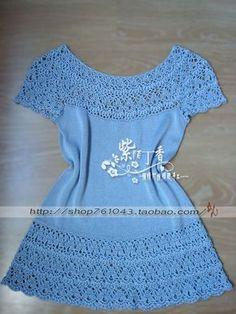 linda blusa com detalhes em crochê.