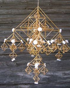 Straw Decorations, Paper Chandelier, Scandinavian Christmas, Handmade Ornaments, Indoor Plants, Fair Grounds, Ceiling Lights, Home Decor, Party Ideas
