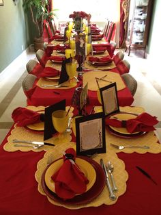 FSU theme table setting for brunch on game day Casino Theme Parties, Casino Party, Party Party, Party Ideas, Rehearsal Dinner Themes, Graduation Open Houses, Chicken And Shrimp Recipes, Casino Cakes, Beautiful Table Settings