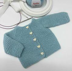 Patrón gratis de chaqueta para bebe en Molan mis Calcetas en punto bobo y punto…