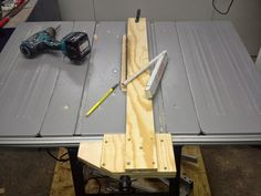 Holz und Metall: Parallelanschlag für Tischkreissäge