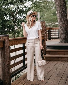 Love these wide legged linen pants!